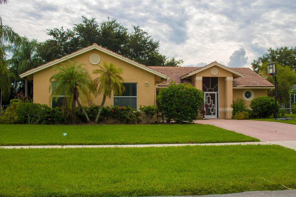 Home for sale in WHITEHORSE EST, Farmington Estates Wellington Florida