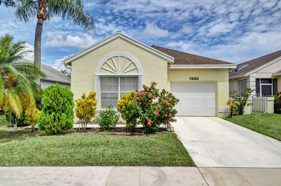 Home for sale in PINE RIDGE AT DELRAY BEACH Delray Beach Florida