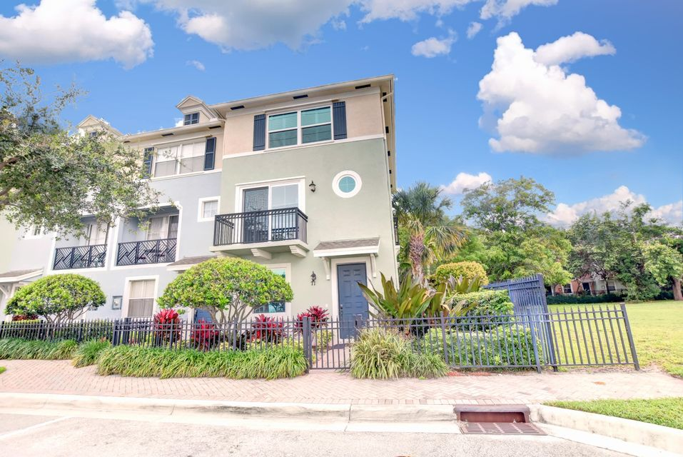 71 NW 4th Avenue  Delray Beach, FL 33444