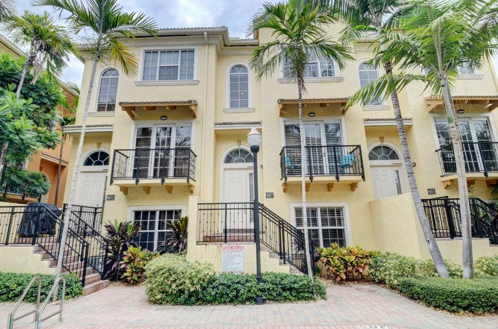 607 Renaissance Lane  Delray Beach, FL 33483