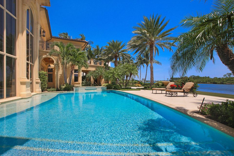 000  Commodore Drive , Jupiter FL 33477 is listed for sale as MLS Listing RX-10463508 photo #8