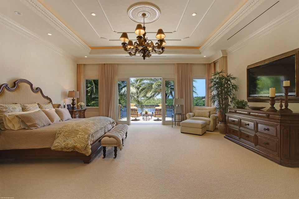 000  Commodore Drive , Jupiter FL 33477 is listed for sale as MLS Listing RX-10463508 photo #17