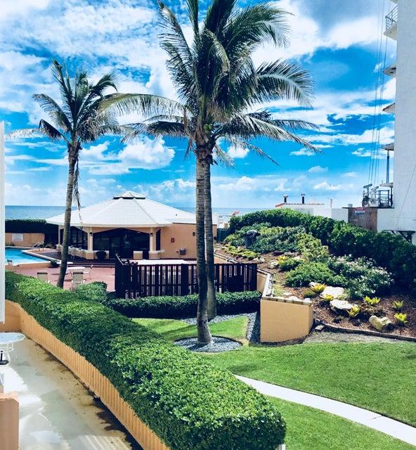 3590 S Ocean Boulevard 208  Palm Beach FL 33480