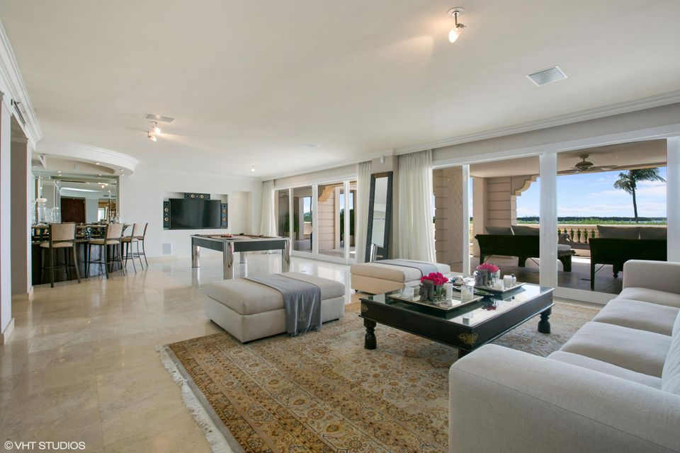 5212  Fisher Island Drive Drive 5212, Miami Beach FL 33109 is listed for sale as MLS Listing RX-10463746 photo #4