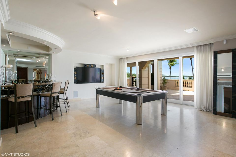 5212  Fisher Island Drive Drive 5212, Miami Beach FL 33109 is listed for sale as MLS Listing RX-10463746 photo #5