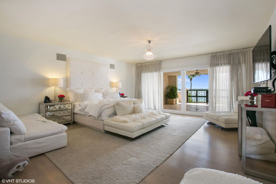 5212  Fisher Island Drive Drive 5212, Miami Beach FL 33109 is listed for sale as MLS Listing RX-10463746 photo #9