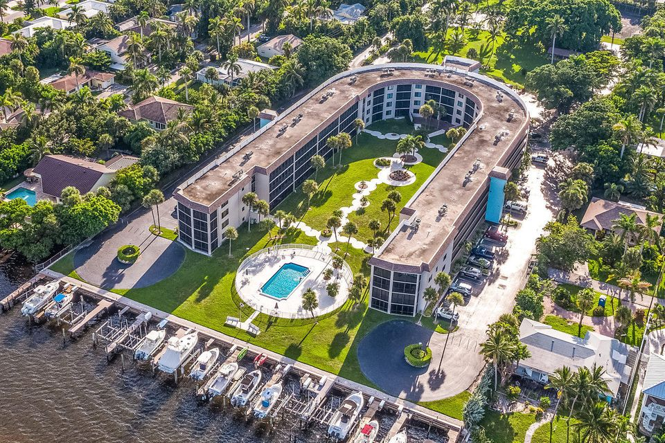 Inlet Harbor Club Condo 2424 N Federal Highway