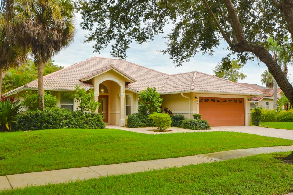 130 Cypress Crescent Royal Palm Beach, FL 33411
