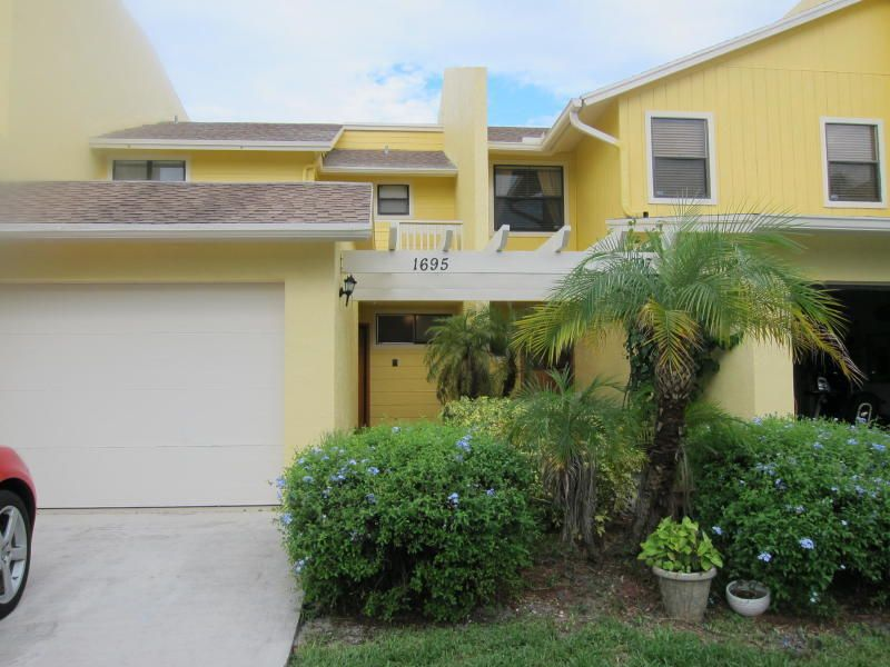 1695 Woodbridge Lakes Circle  West Palm Beach, FL 33406
