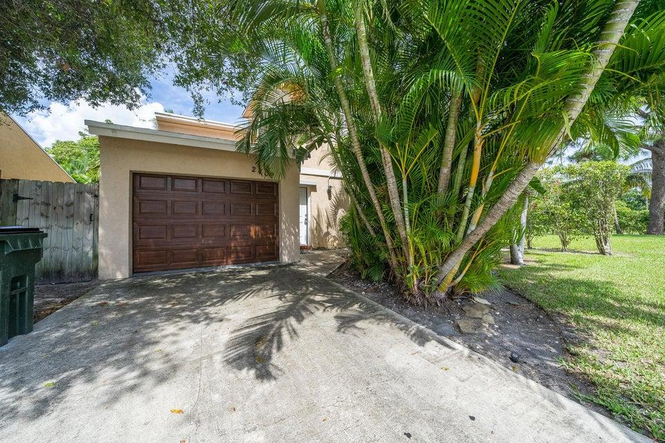 2409 Sundy Avenue  Delray Beach, FL 33444