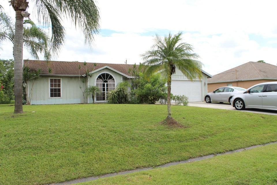 1250 SW Janette Avenue, Port Saint Lucie, Florida