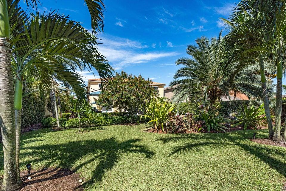 15692 Glencrest Avenue Delray Beach FL 33446 - photo 32