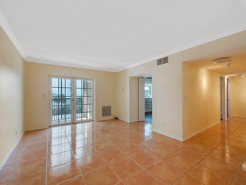 1527 S Flagler Drive 304f  West Palm Beach, FL 33401