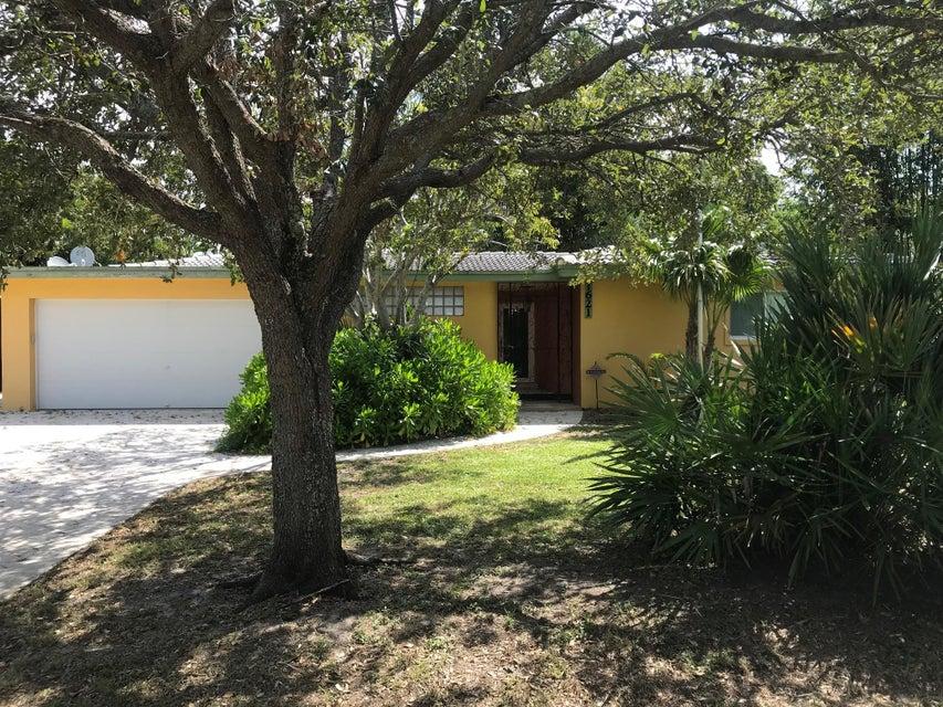 1621 N Swinton Avenue  Delray Beach, FL 33444