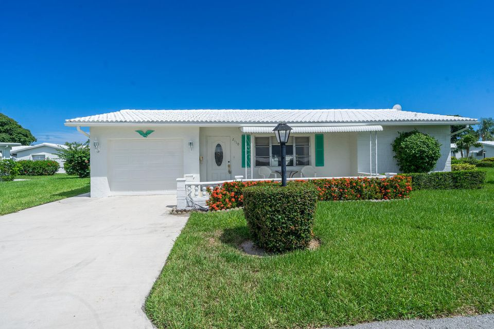 2110 SW Lake Circle Drive  Boynton Beach FL 33426