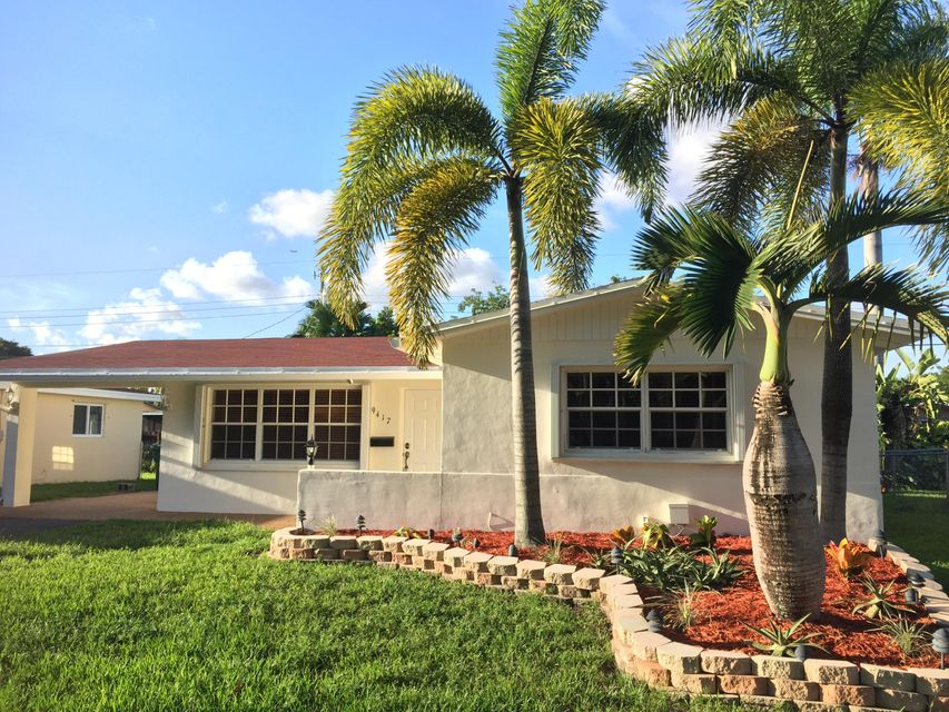 Home for sale in SUMMERTIME ISLES Cooper City Florida