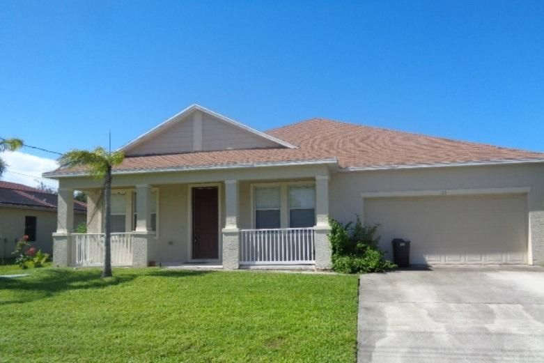 125 SW Glenwood Drive, Port Saint Lucie, Florida