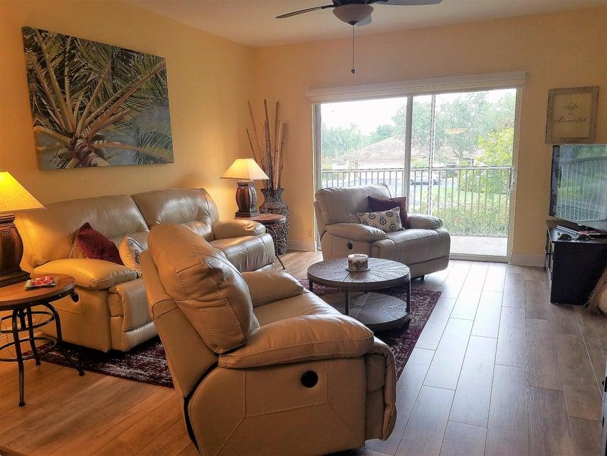 4721 Lucerne Lakes Boulevard 723 Lake Worth, FL 33467