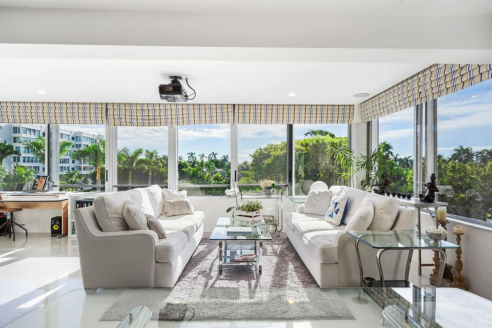 44 Cocoanut Row 221b , Palm Beach FL 33480 is listed for sale as MLS Listing RX-10464729 27 photos