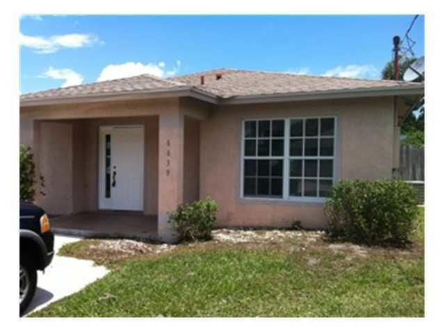 6839 4th Street , Jupiter FL 33458 is listed for sale as MLS Listing RX-10465177 8 photos