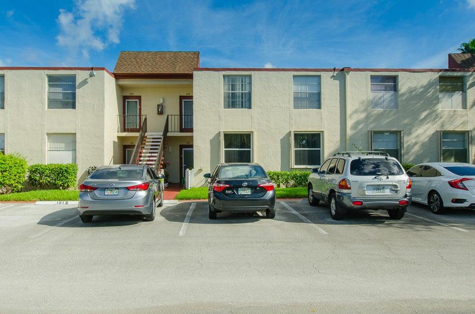 15 Willowbrook Lane 206  Delray Beach, FL 33446