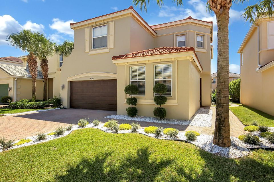 9182 Dupont Place Wellington, FL 33414