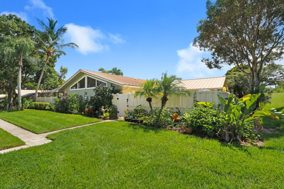 5850 Golden Eagle Circle , Palm Beach Gardens FL 33418 is listed for sale as MLS Listing RX-10465486 20 photos