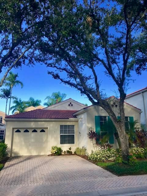 75 Via Del Corso , Palm Beach Gardens FL 33418 is listed for sale as MLS Listing RX-10465784 22 photos