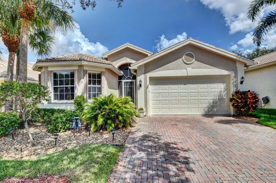 VALENCIA SHORES home 9867 Chantilly Point Lane Lake Worth FL 33467