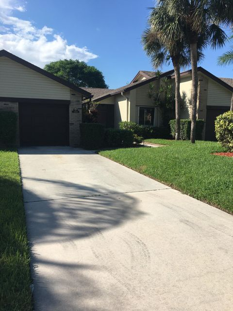 144 Village Walk Drive Royal Palm Beach, FL 33411