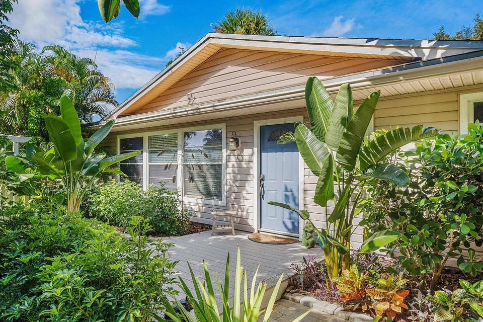 Home for sale in Acreage & Unrec Palm Beach Gardens Florida