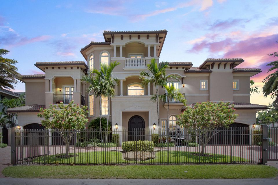 918 Tropic Boulevard  Delray Beach, FL 33483