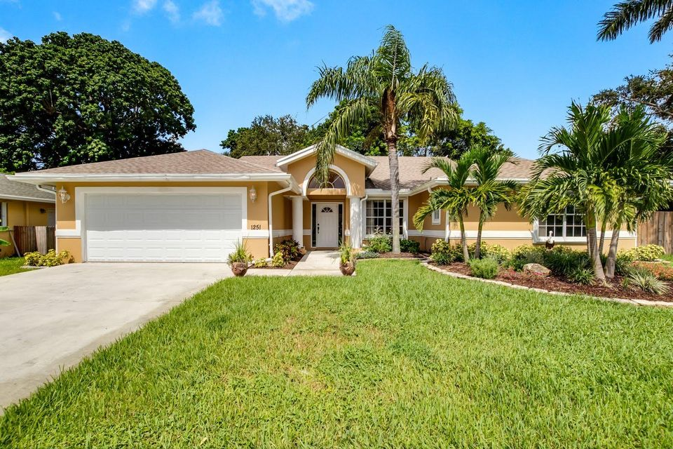 1251 Rowayton Circle  Wellington FL 33414