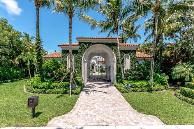 397 Old Jupiter Beach Road , Jupiter FL 33477 is listed for sale as MLS Listing RX-10466205 39 photos