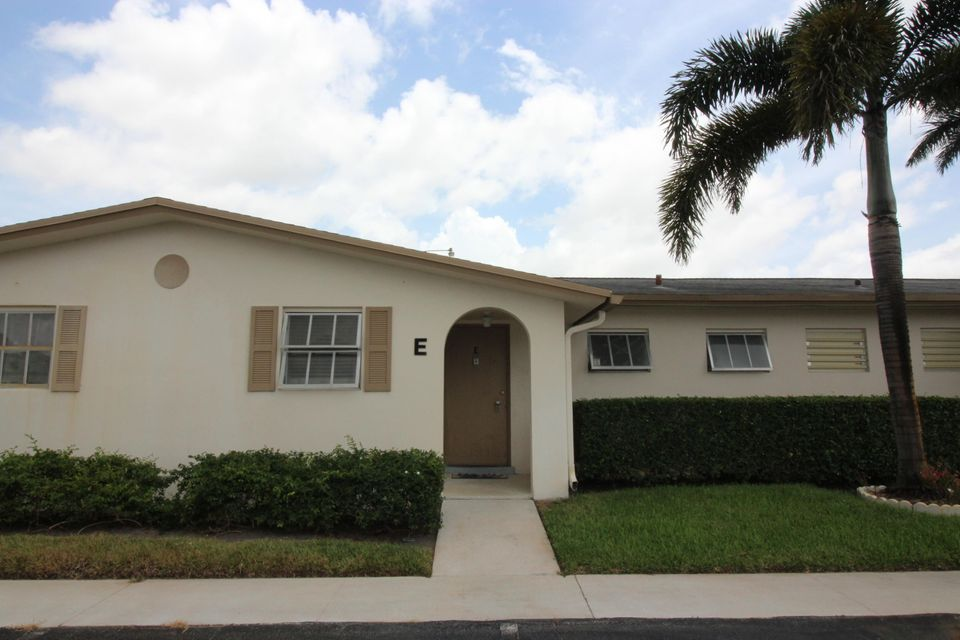 5043 Cresthaven Boulevard E , West Palm Beach FL 33415 is listed for sale as MLS Listing RX-10466240 7 photos