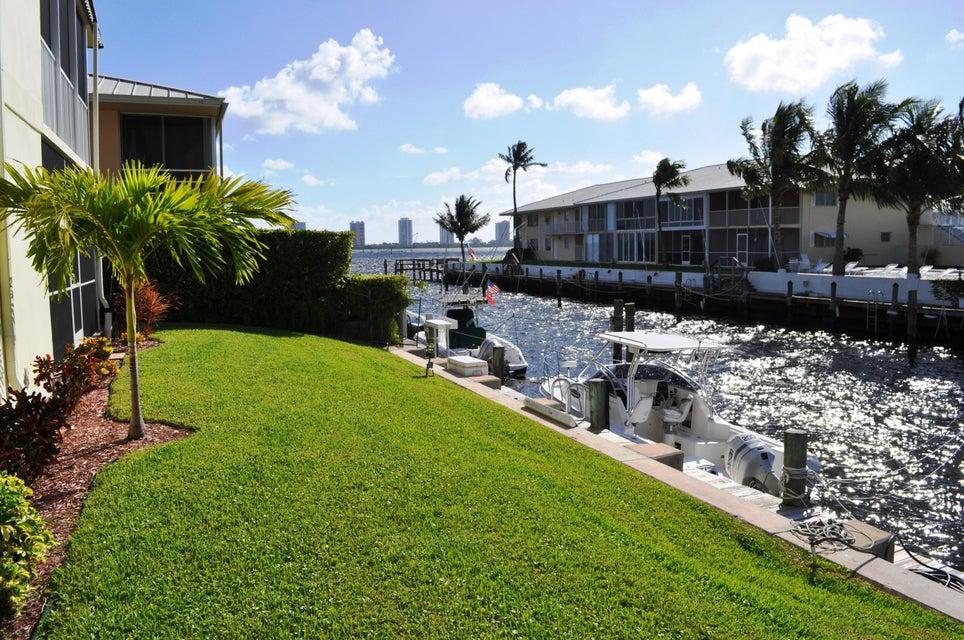 110 Wettaw Lane 206  North Palm Beach FL 33408