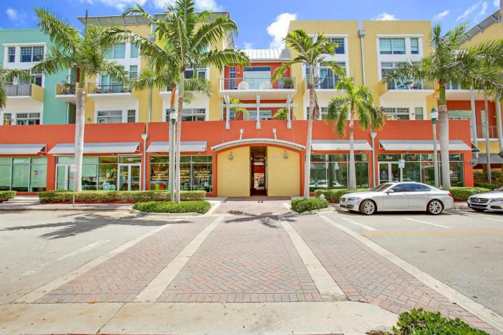 180 NE 4th Avenue 403  Delray Beach FL 33483