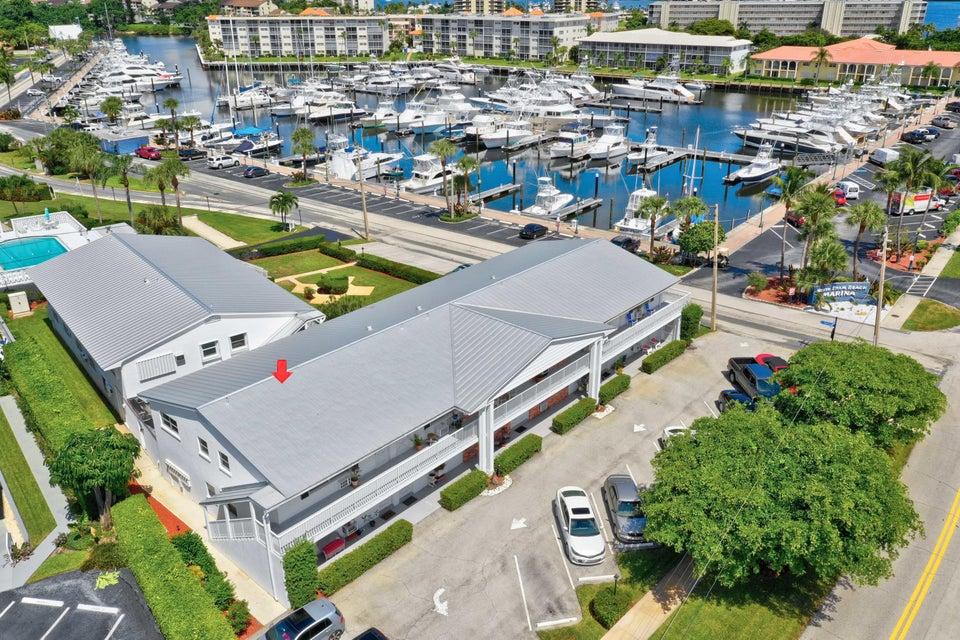 143 Yacht Club Drive 6  North Palm Beach FL 33408