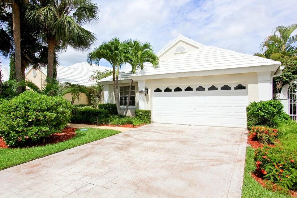 944 Dickens Place West Palm Beach, FL 33411