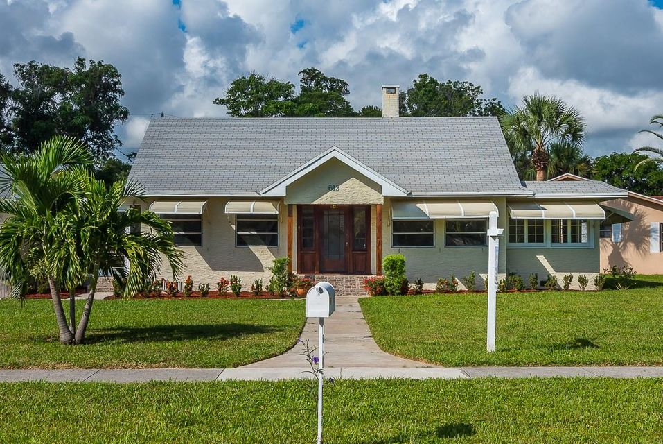 Home for sale in LAKESIDE POINT ADD T Lantana Florida