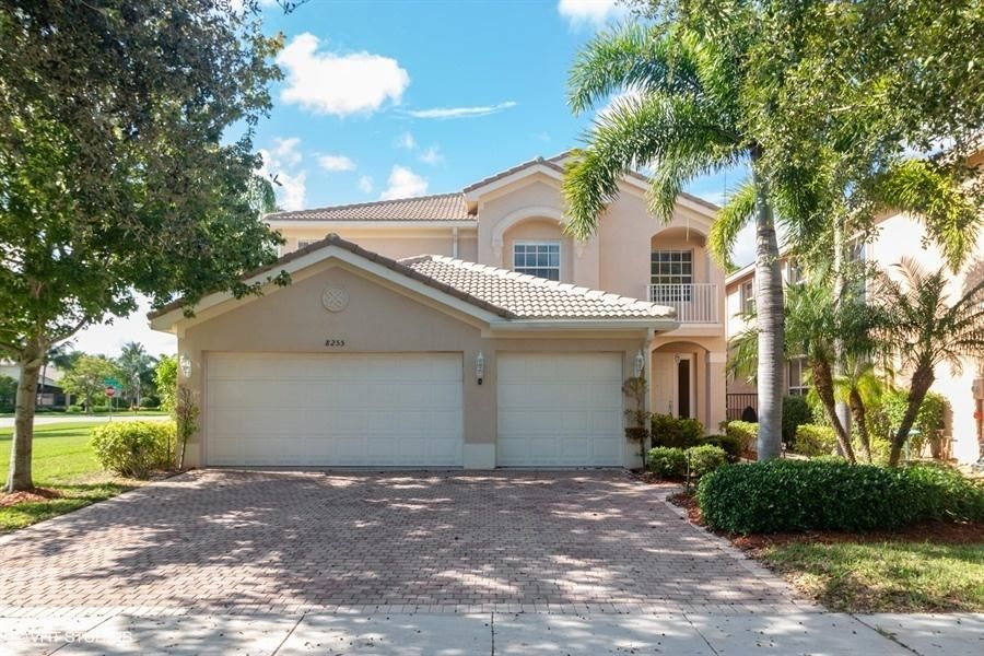 8255 Emerald Winds Circle  Boynton Beach, FL 33473