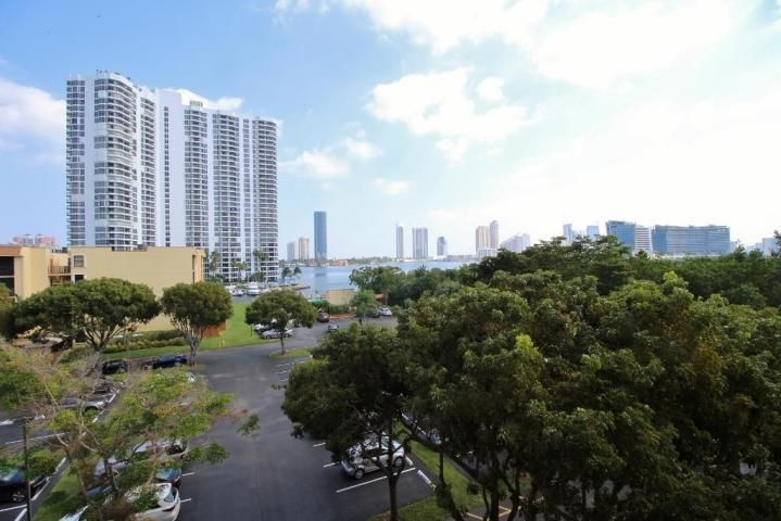 3350 NE 192nd Street 5g-B , Aventura FL 33180 is listed for sale as MLS Listing RX-10467256 22 photos