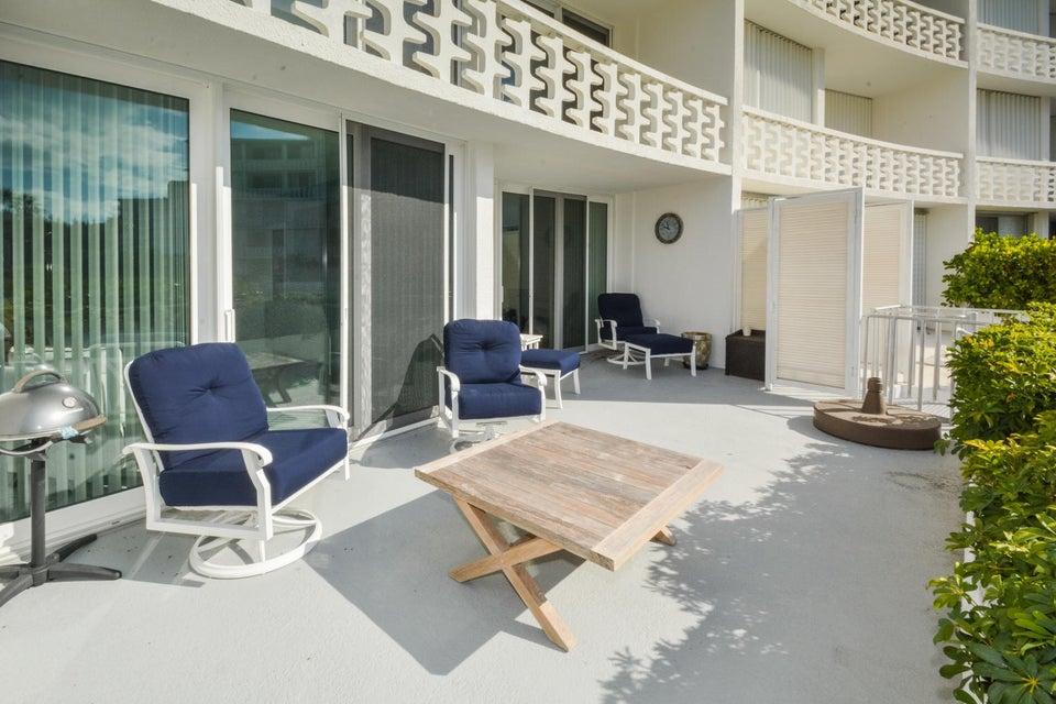 2760 S Ocean Boulevard 111  Palm Beach FL 33480