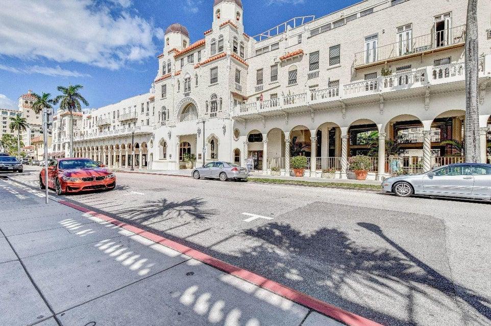 235 Sunrise Avenue Ph 1 , Palm Beach FL 33480 is listed for sale as MLS Listing RX-10467480 21 photos