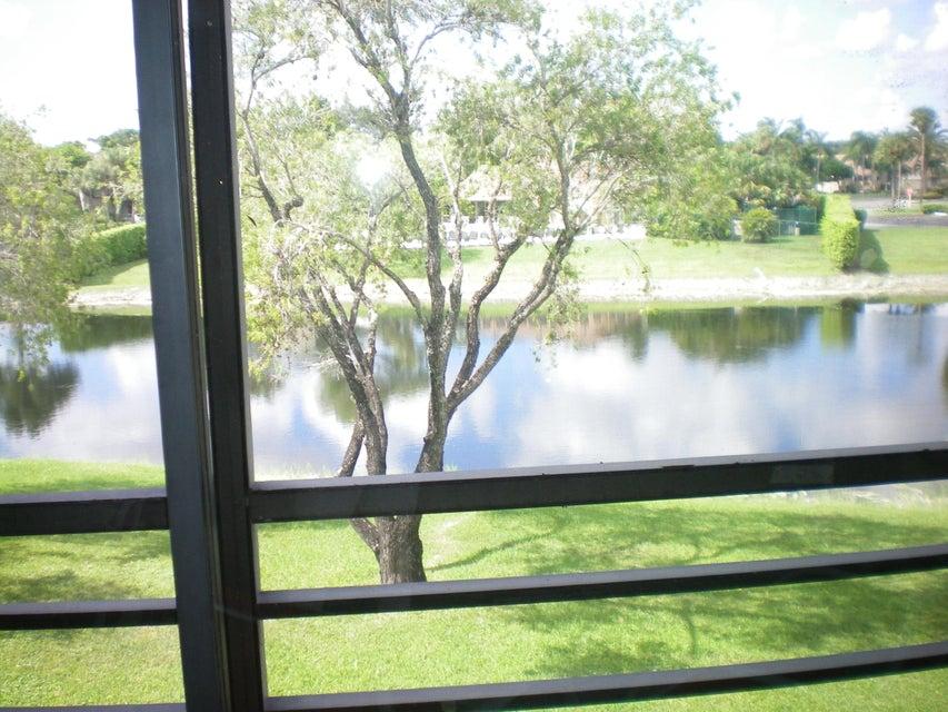 10156 Mangrove Drive 206  Boynton Beach, FL 33437