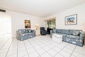 15449 Lakes Of Delray Boulevard 102  Delray Beach, FL 33484