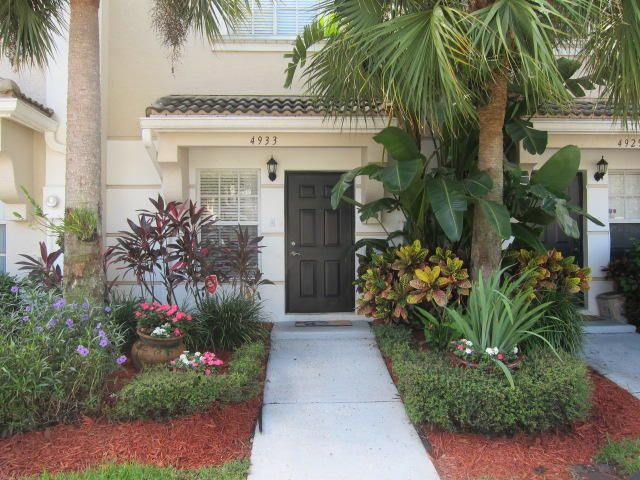 4933 Palmbrooke Circle West Palm Beach, FL 33417