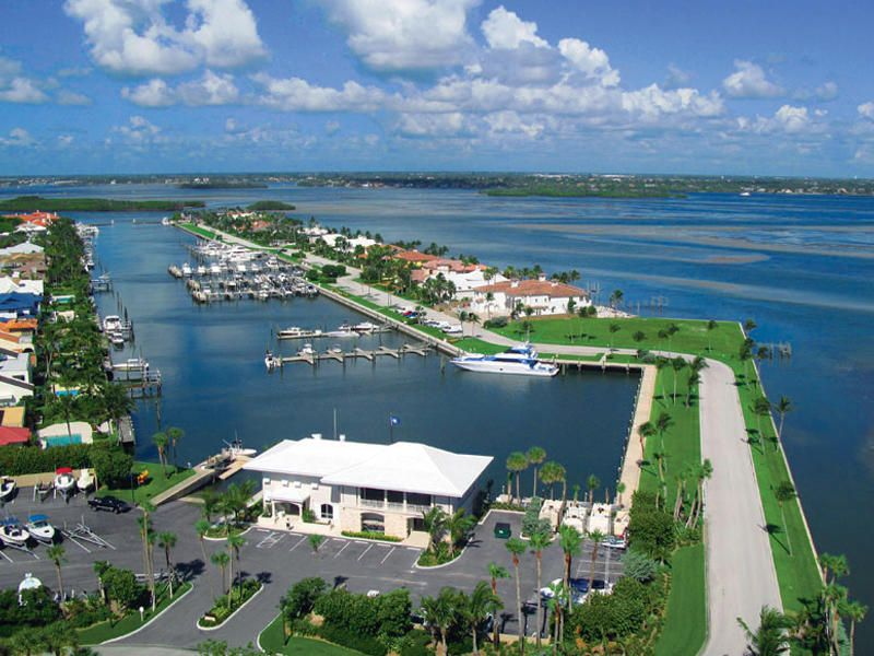 2956 SE Dune Drive , Stuart FL 34996 is listed for sale as MLS Listing RX-10469501 photo #39
