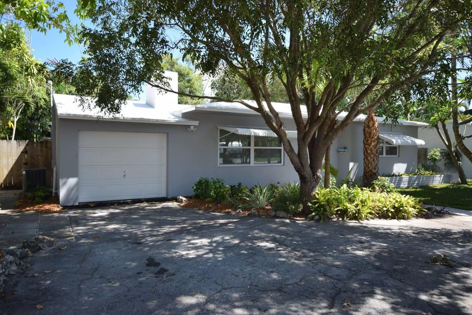 1611 NE 2nd Avenue  Delray Beach, FL 33444