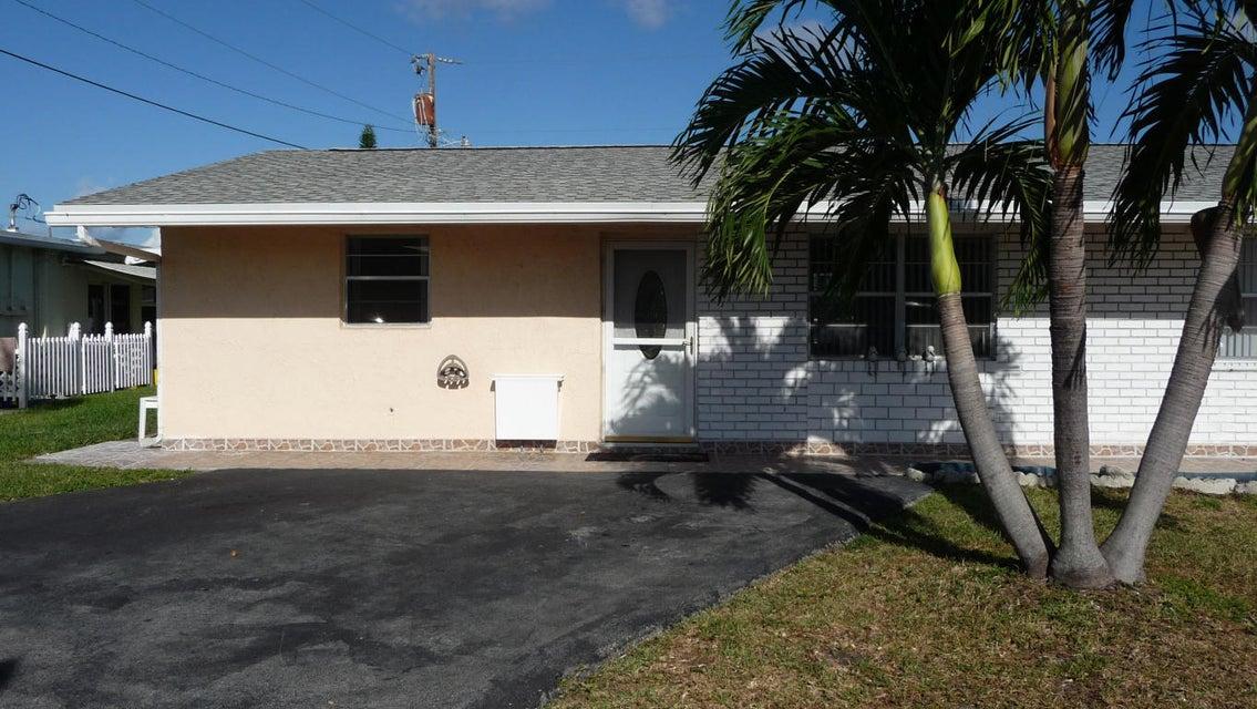 2701 Peer Lane  Delray Beach, FL 33445